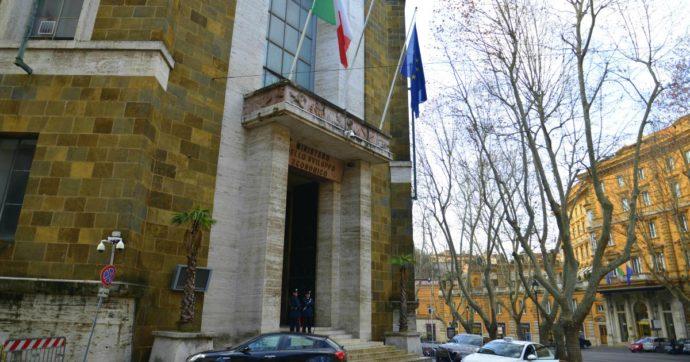 """Roma, """"pratiche sveltite per i finanziamenti pubblici, poi distratti"""": così l'alto dirigente del Mise faceva """"il topo intorno al formaggio"""""""