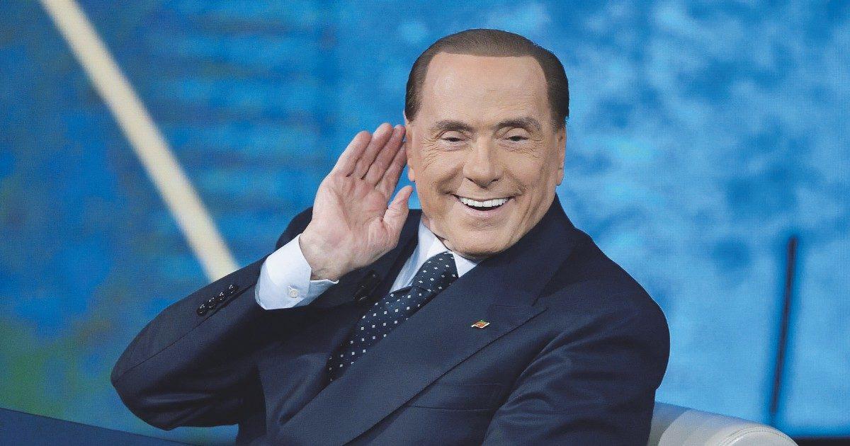 """L'audio di Berlusconi depositato 4 anni dopo: """"Conteneva contenuti sensibili"""""""