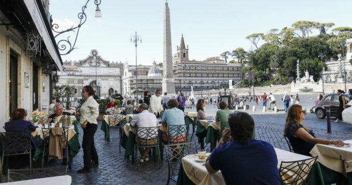 Roma, sì (vergognoso) al tavolino selvaggio. Altro che svolta green: così i 5S perdono identità