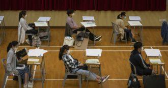 Coronavirus, a Hong Kong nuova ondata di contagi: scuole chiuse e bar a capienza ridotta