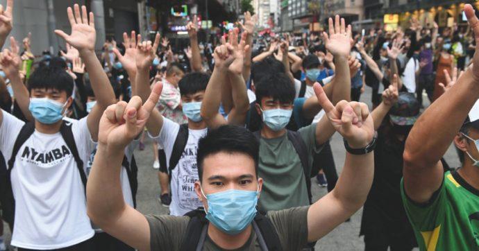 """Arresti di massa a Hong Kong: 53 attivisti pro-democrazia in manette. Ue: """"Vengano liberati"""""""