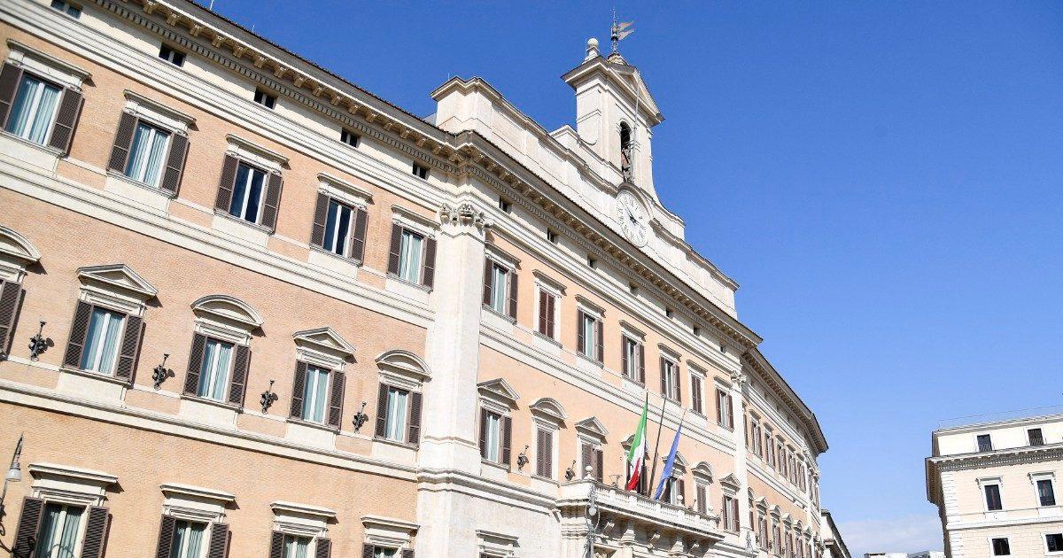 Dai vitalizi al modello 730: a Montecitorio apre il caf dell'Associazione ex parlamentari