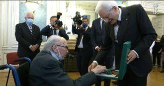 """Boris Pahor, lo scrittore di 106 anni riceve le onorificenze di Italia e Slovenia: """"Le dedico alla memoria dei morti delle dittature"""""""