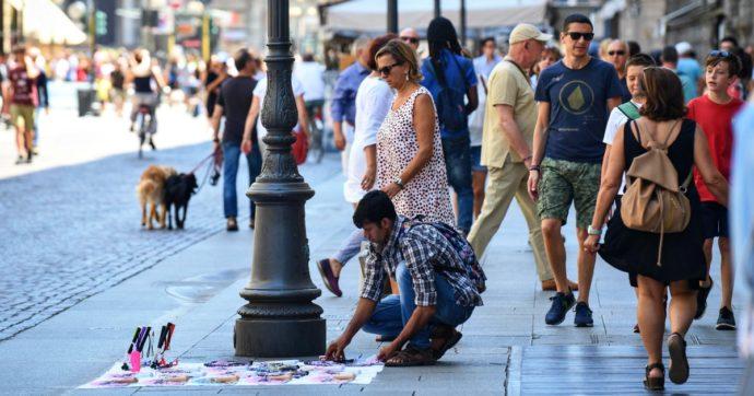 Arezzo, venditore di accendini fa fallire un furto nel negozio: l'azienda lo assume
