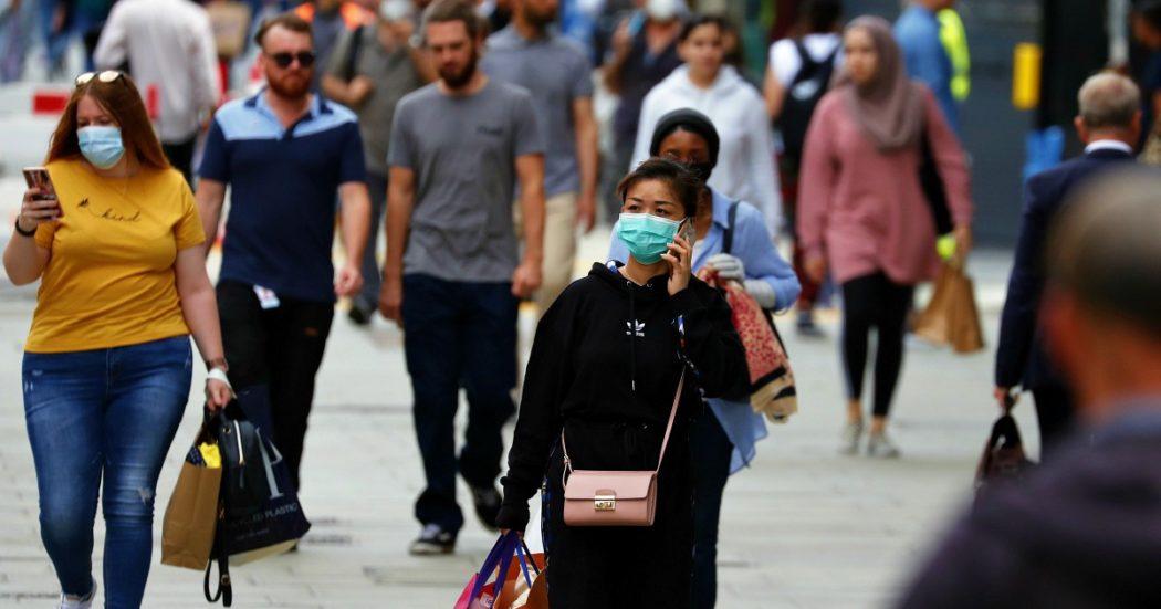 Coronavirus, nuovo record di contagi in Usa: oltre 67mila in 24 ore. Francia, scatta l'obbligo di mascherine nei locali pubblici. Brasile, Bolsonaro positivo al secondo test
