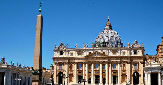 """Pedofilia, il Vaticano pubblica un vademecum per i vescovi su come trattare i casi di abuso su minore: """"Verificare anche denunce anonime"""""""
