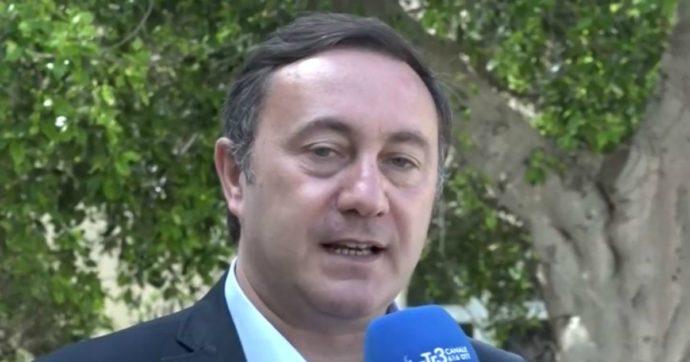 """Favignana, il sindaco dell'isola ai domiciliari per corruzione: """"Frode su fornitura d'acqua e controlli della Municipale a chi non lo votava"""""""