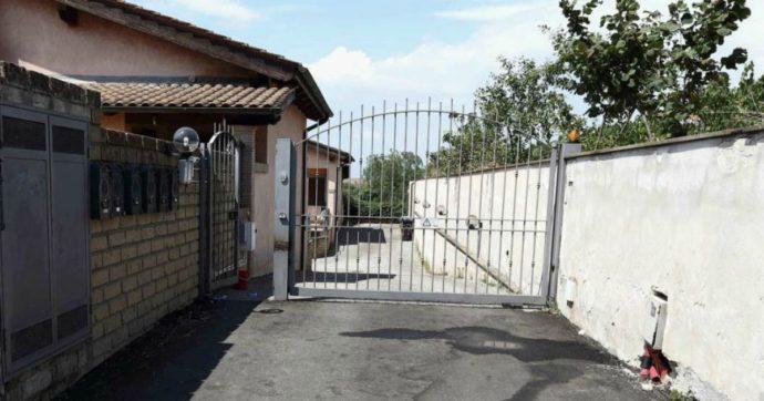 """Roma, omicidio in strada nella frazione di Spregamore: 48enne ucciso a colpi di pistola. Si costituisce il vicino di casa: """"Sono stato io"""""""