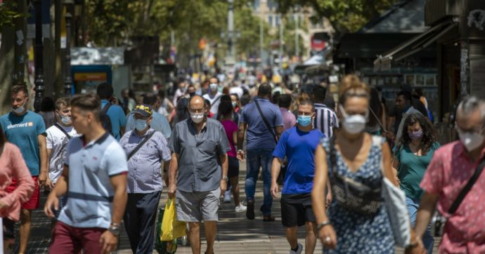 """Spagna, contagi mai così alti da maggio: mancano sanitari per il tracciamento. """"In Catalogna ne servono 2000, ce ne sono 150"""""""
