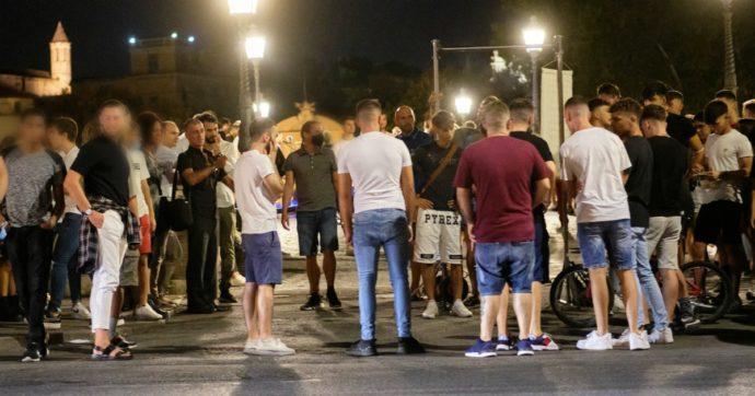 Bolzano, positivo al virus andava alle feste e agli aperitivi: 24enne denunciato insieme ai genitori. Quaranta persone in isolamento