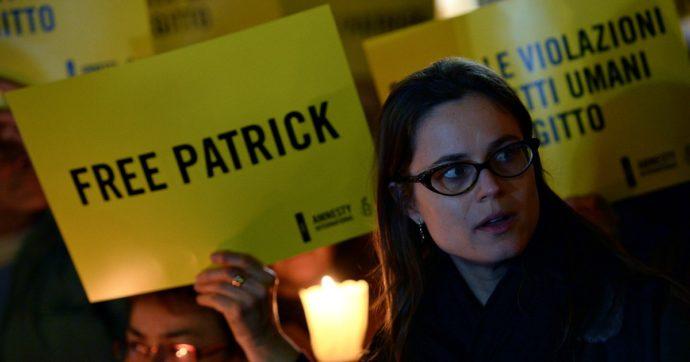 """Patrick Zaki rimane in prigione: i giudici egiziani rinnovano la carcerazione di 45 giorni. Zingaretti: """"Il governo si attivi con l'Ue"""""""