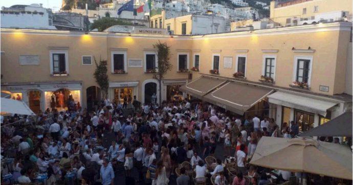 Capri, obbligo di mascherine anche all'aperto nel fine settimana: l'ordinanza del sindaco