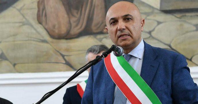 Napoli, il sindaco di Marigliano arrestato per scambio elettorale politico-mafioso: 'I clan assicuravano voti, lui appalti e posti di lavoro'