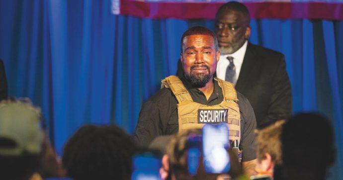 """Kanye West: """"Mia moglie ha cercato un dottore per farmi rinchiudere"""". Gli strani post pubblicati e poi scomparsi da Twitter"""