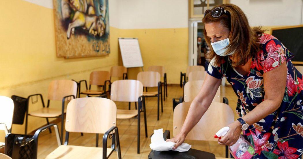 """Contagi a scuola, i punti del protocollo degli scienziati: """"Spazio ad hoc per chi ha sintomi, quarantena per classi, sanificazione straordinaria"""""""