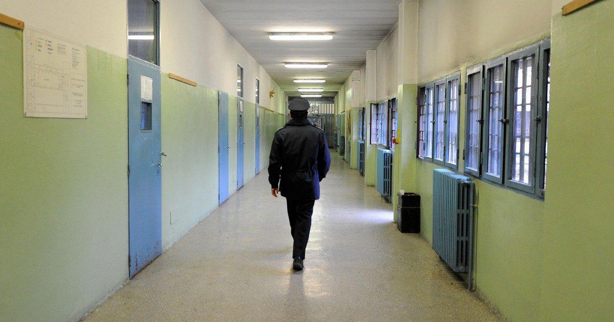 """""""Detenuti torturati"""", agenti verso il processo. Accuse ai superiori e al direttore del carcere di Torino"""