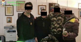 """Piacenza, l'intercettazione che smaschera le torture inferte dai carabinieri arrestati: """"Che cazzo ridi?"""" e lo prendono a schiaffi"""