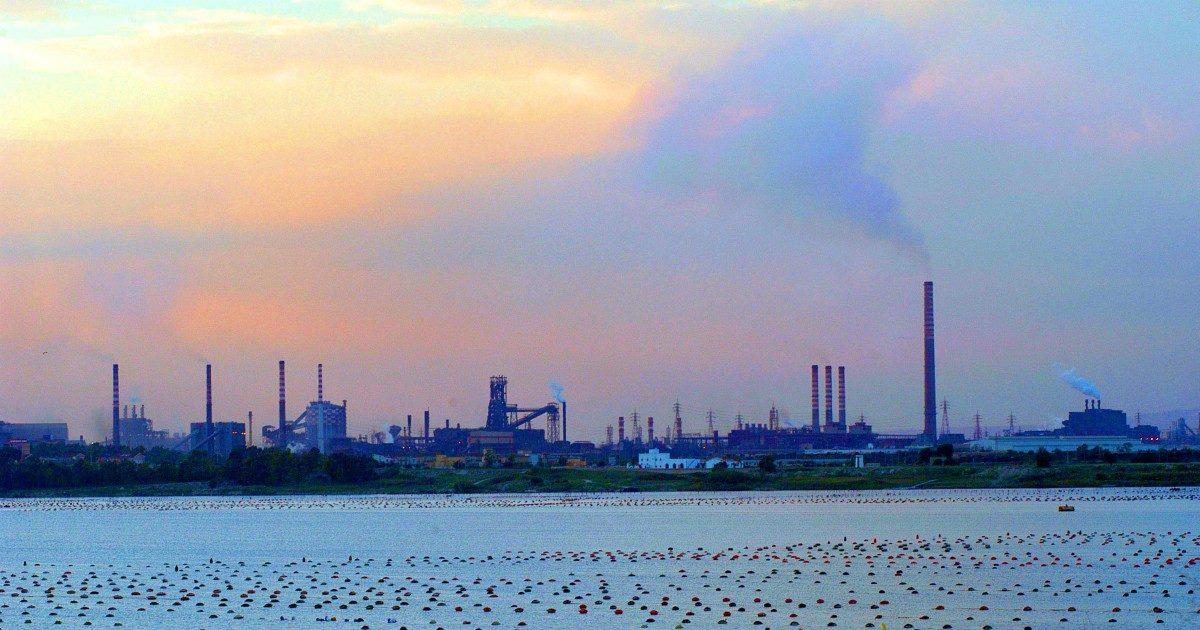 Bonifiche, i Sin istituiti nel 1997: per 29 aree inquinate su 41 i lavori sono ancora a zero
