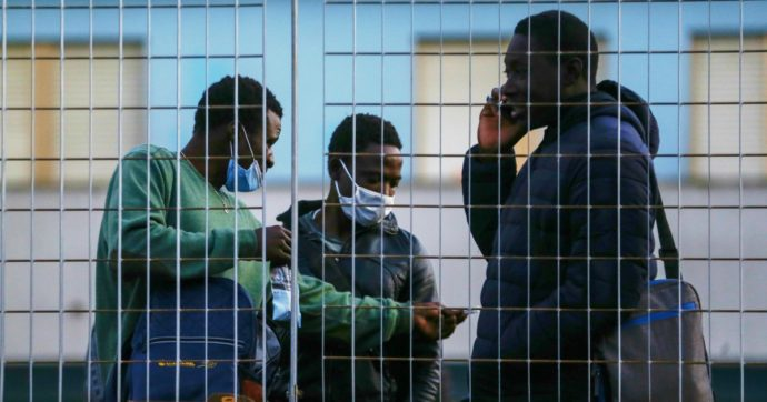 Trattato Italia-Libia, a quanto pare si è disposti a tutto pur di non far approdare alcun migrante
