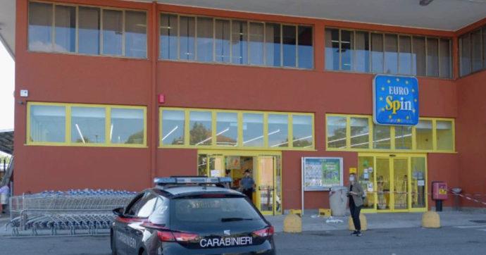 Sparatoria in un supermercato nel Milanese, bambina di 5 anni rimane ferita. Arrestato il rapinatore