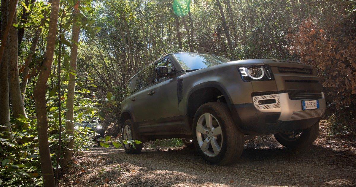 Land Rover Defender: estetica e tecnica nuove ma stessa avventura