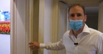 """Rousseau, dentro la sede dell'associazione a Milano. Il tour con Davide Casaleggio: """"Ecco dove abbiamo progettato il Movimento"""" – Video"""