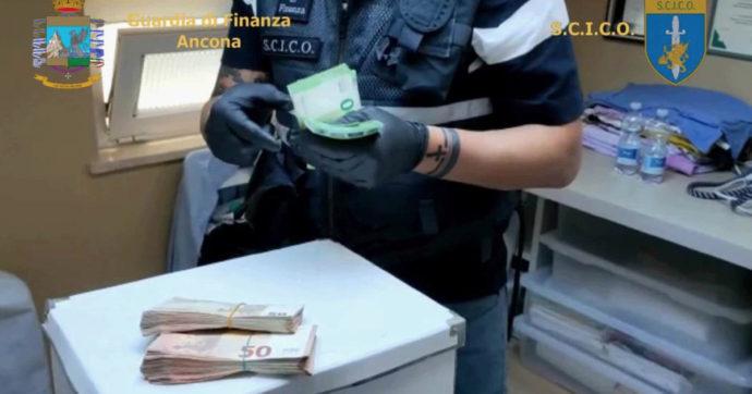 """Ancona, riciclaggio da 130 milioni: 12 arresti e oltre 130 indagati. """"Imprese pronte a chiedere aiuti Covid"""""""