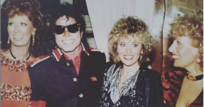 """Alessandra Mussolini e la foto con Michael Jackson: """"Venne a casa mia e fece una scorpacciata di pizza fritta. Il giorno dopo…"""""""
