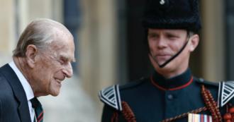 """È morto il Principe Filippo, al via l'operazione """"Forth Bridge"""". Abiti neri e lutto nel Regno"""