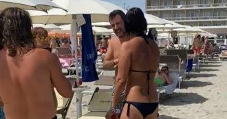 """In spiaggia il duello tra la vice sindaca dem e Matteo Salvini: """"Rovini il nome di questa bellissima città"""". Lui reagisce così"""