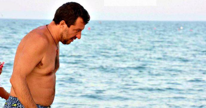 """Salvini si consola al Papeete dopo l'ok al processo del Senato. E tira in ballo Conte: """"Era d'accordo"""". Ma lui stesso disse di no"""