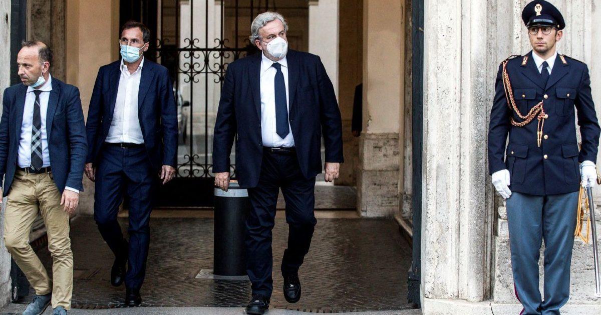"""Legge elettorale, Conte """"commissaria"""" Emiliano e reintroduce la parità di genere"""