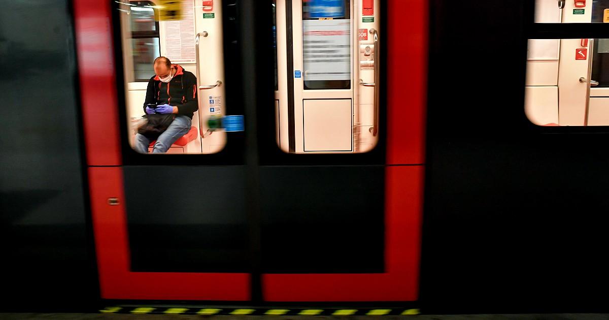 Posti pieni, Lombardia e Liguria non tornano indietro: più persone sui mezzi pubblici thumbnail