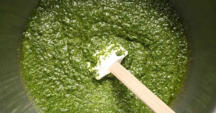 """Esselunga richiama un lotto di pesto senza aglio: """"Rischio microbiologico"""""""