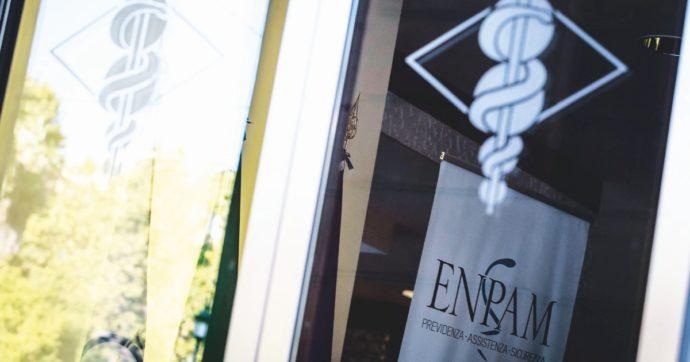 """Il taglio del 10% degli emolumenti dei vertici dell'Enpam non basta ai medici in protesta: """"Ennesima presa in giro"""""""