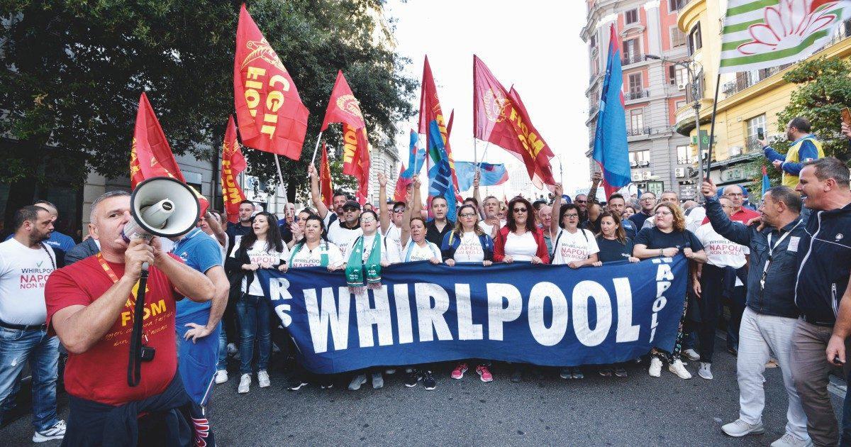 Whirlpool, entro il 31 ottobre il sito di Napoli chiuderà