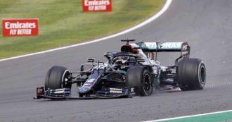 F1, Gp Gran Bretagna: Hamilton vince anche su tre ruote, Leclerc riesce a salire sul podio. Le Mercedes forano nel finale a Silverstone