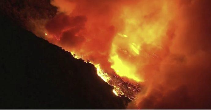 Sicilia, gli incendi stanno devastando la mia terra. Ma tutti noi proviamo a fare la nostra parte