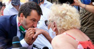 """Salvini e la mascherina: dai selfie 'faccia a faccia' all'invito a """"rispettare la scienza e usare la testa"""". Cambia la strategia (con i sondaggi in calo)"""
