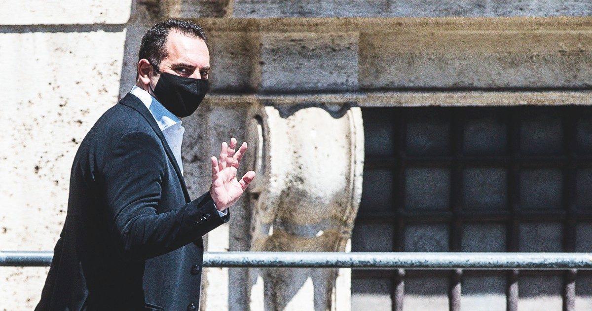 """I 5 Stelle bocciano la riforma """"pro Malagò"""". Adesso Spadafora minaccia le dimissioni"""