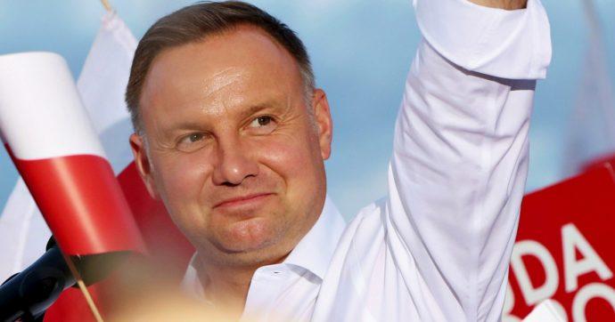 Polonia, Duda gioca la carta anti-Lgbt per il secondo mandato. Ma l'Ue blocca i fondi alle comunità che violano i loro diritti