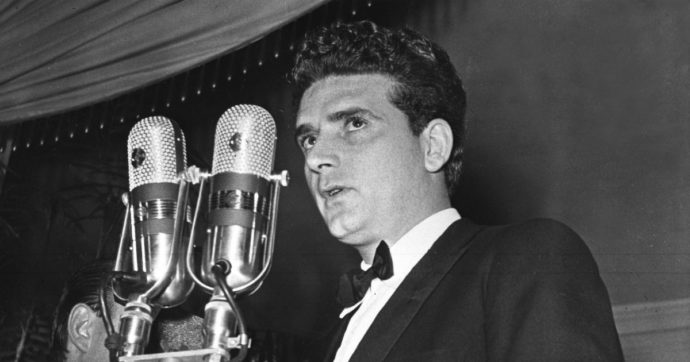 """Sergio Zavoli, morto il giornalista maestro della tv. """"Socialista di Dio"""", instancabile amico di Fellini"""