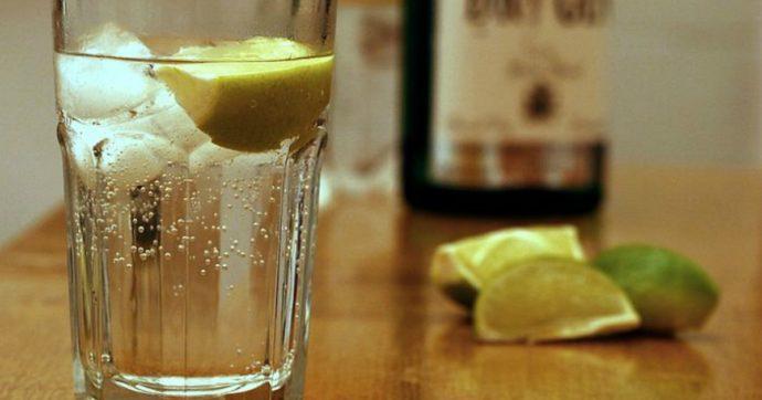 Festeggia l'addio al nubilato con gli amici bevendo gin fatto in casa: donna di 34 anni muore nel sonno