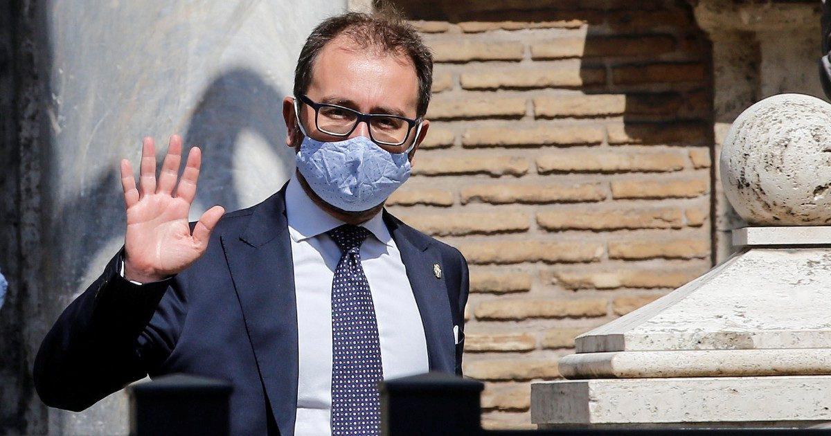 """Csm, Bonafede presenta la riforma """"spazzacorrenti"""""""