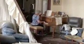 L'esplosione le distrugge la casa, lei continua a suonare il pianoforte. Un messaggio di speranza da Beirut