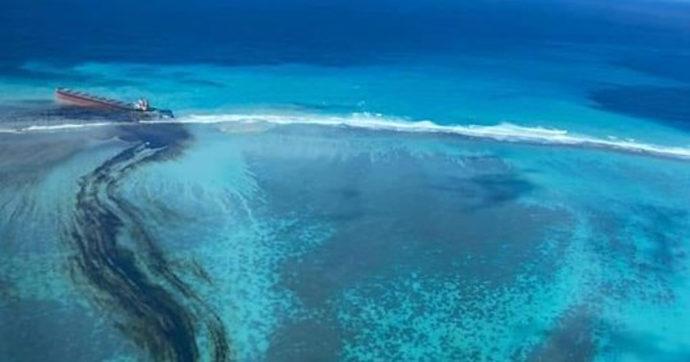 Le Mauritius rischiano la crisi ambientale: la petroliera arenata dieci giorni fa ora perde greggio. Ecco cosa sta accadendo