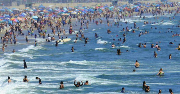 """""""Sei negro, via da spiaggia"""": turista romano prende per il collo un 18enne di origine africana all'Argentario. Denunciato per lesioni"""