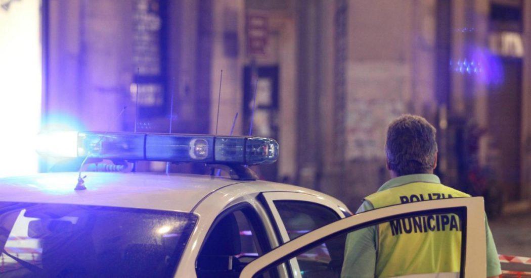 Piomba con l'auto in una piazzetta a Genova e travolge un gruppo di ragazzi: due giovani gravissime. Rintracciato grazie alla targa