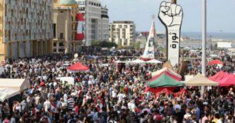 """Beirut, guerriglia urbana contro il governo nel """"sabato della rabbia"""": centinaia di feriti, morto un agente. Sgomberato il ministero degli Esteri dopo l'assalto"""