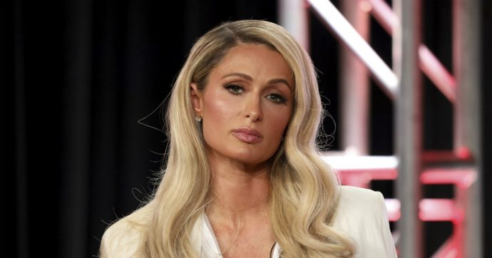 """""""Ghislaine Maxwell voleva Paris Hilton. Disse che era perfetta per Jeffrey Epstein"""". E nella lista dei suoi 'ospiti' spunta anche la damigella di Lady D"""